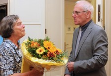 Frau Dr. Anne-Marie Frese, die Vorsitzende aus Burscheid, wurde für 50 Jahre Mitgliedschaft geehrt.